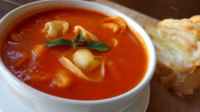 receitas de sopas sopa de tomate com capeletti