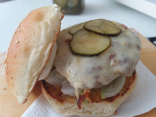 Hambúrguer de costelinha de porco