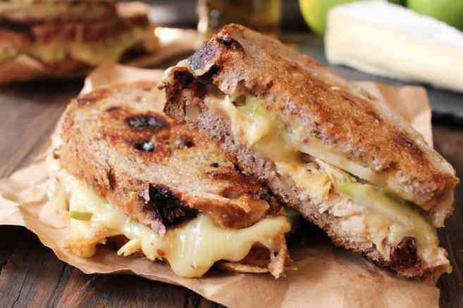 Roast-Chicken-Apple-and-Brie-grilled-cheese-8