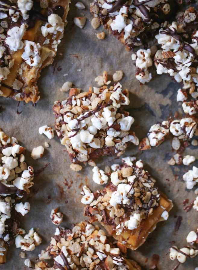 Fully-Loaded-Toffee-Saltines-3