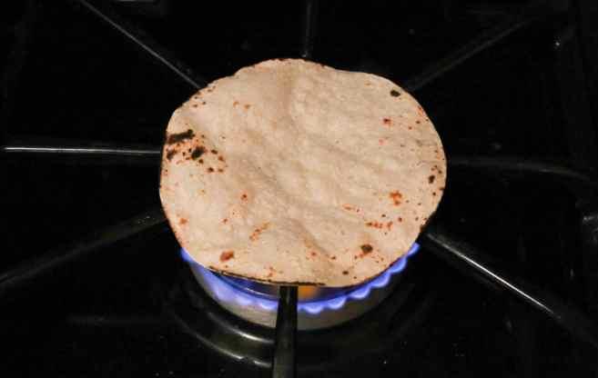 seared-scallop-tacos-with-spring-mango-salsa-and-avocado-coconut-cream-step-1