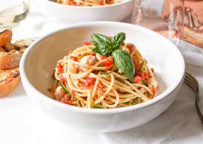 Spaghetti-with-Zucchini-Cherry-Tomato-Sauce-and-Fresh-Mozzarella-7