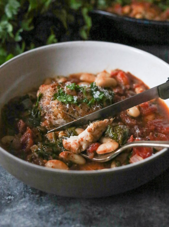 braised-chicken-thighs-with-spinach-white-beans-4