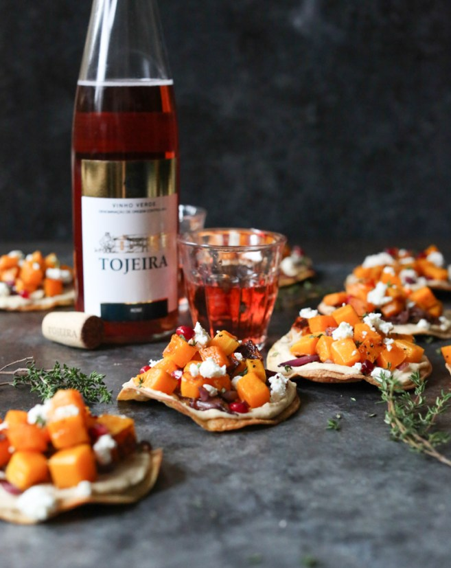 butternut-squash-tostadas-with-hummus-and-goat-cheese-3