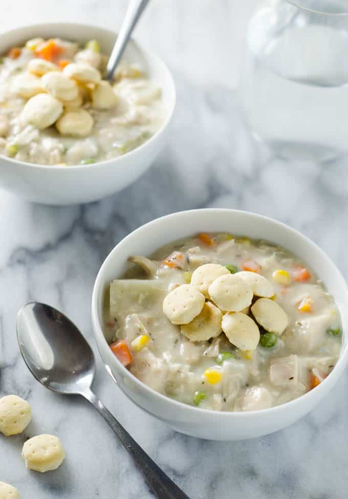 Chicken Pot Pie Soup -This delicious chicken pot pie soup is everything you love in the pie just now in a creamy soup. www.domesticdee.com