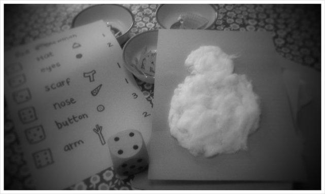 roll a snowman game