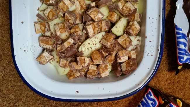 Apple Snickers Crumble