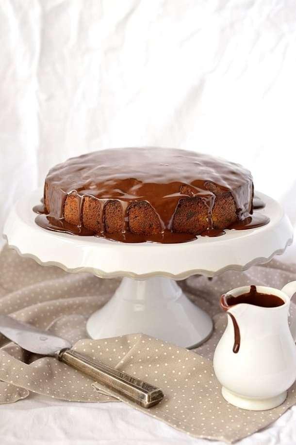 Chocolate, pear, hazelnut and cinnamon cake with ganache