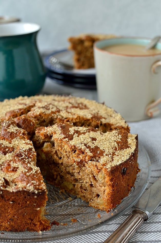 Easy, one bowl wholemeal spiced apple snack cake