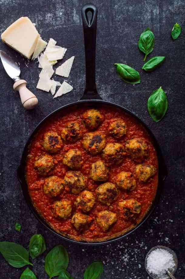 Vegetarian mushroom meatballs - these moist, herby, delicious meatless 'meatballs' taste amazing with tomato sauce and pasta and are the perfect healthy comfort food.