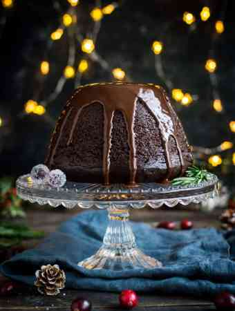 Vegan steamed chocolate pudding - this sumptuous steamed chocolate pudding with chocolate sauce is a delicious alternative to Christmas pudding; or is just perfect for any special occasion! #vegan #dessert #pudding