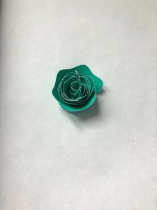 how to roll paper flower tutorial