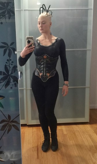borg-queen-mirror-selfie