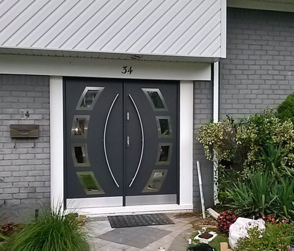 drzwi zewnetrzne dwuskrzydlowe montaż