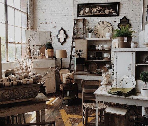 Wnętrze z przedmiotami w stylu vintage
