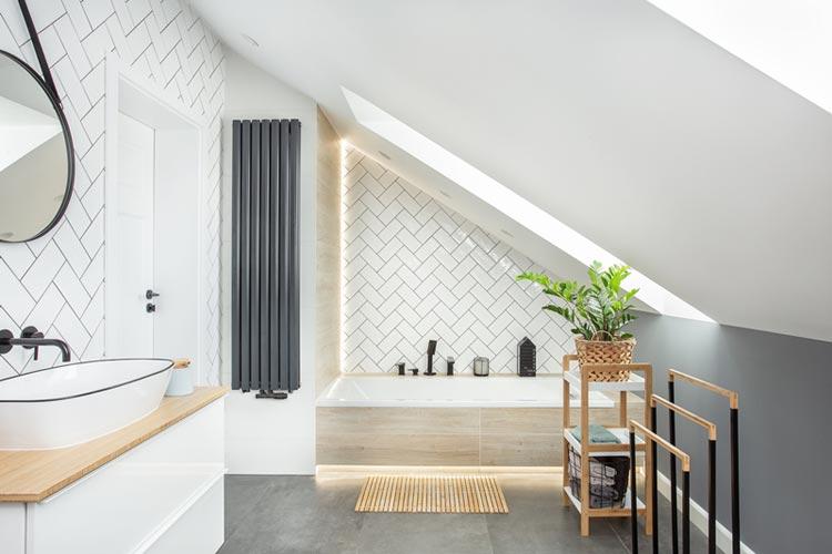 Łazienka w mieszkaniu ze skosami