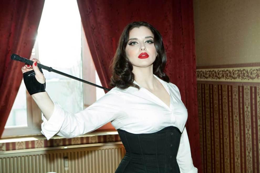 Mistress Bella Lugosi - Avalon Berlin
