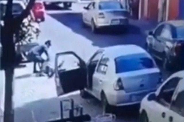 AUTOMOVILISTA ASESINA A JOVEN POR RECLAMARLE SU FORMA DE MANEJAR