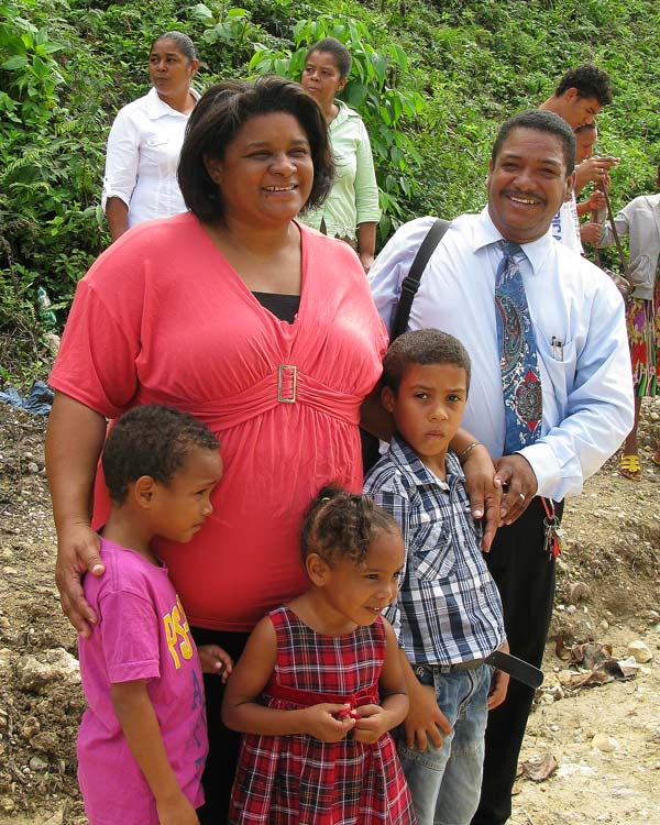 Pastor Chalas and his wife Rossana with grand children
