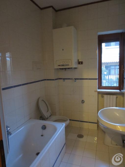 Da sapere, per rinnovare il bagno. Idee Per Ristrutturare Un Bagno Piccolo Ma Completo Casa E Trend