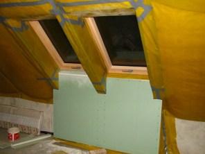dolna płyta pod oknem podwójnym