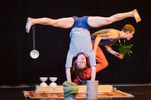 Theater op de markt is een vierdaags festival dat openlucht-, circus- en locatietheater bundelt. Circus Katoen met de voorsteling Ex Aequo
