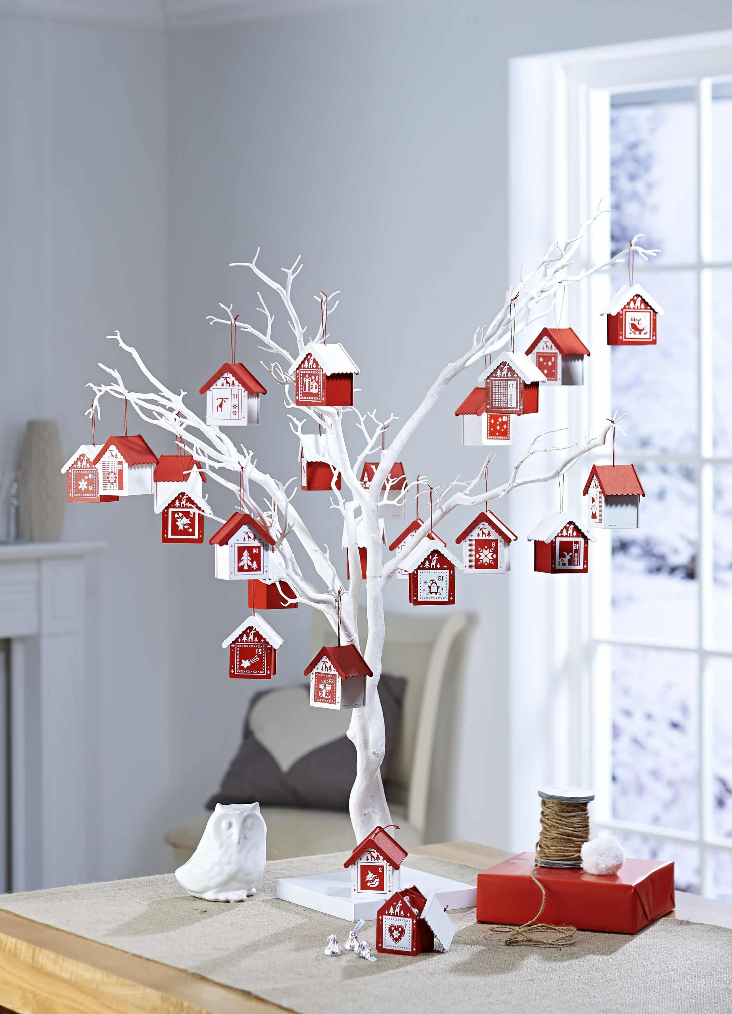 New Year's decor from branches is one of the most popular options for decorating rooms for the New Year