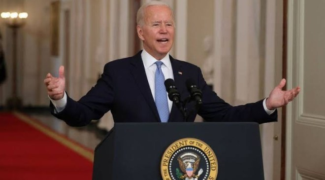 Joe Biden issues vaccine mandate forcing companies with over 100 staff to vaccinate all workers or face sanctions