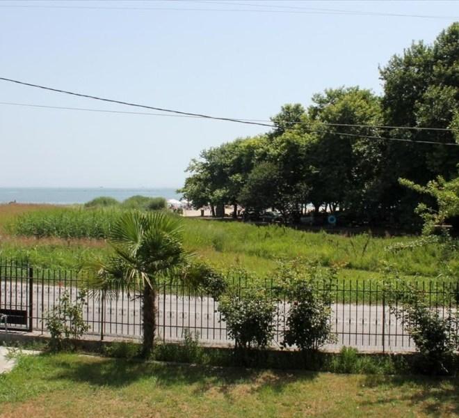Apartmánový dům blízko pláže s výhledem na moře