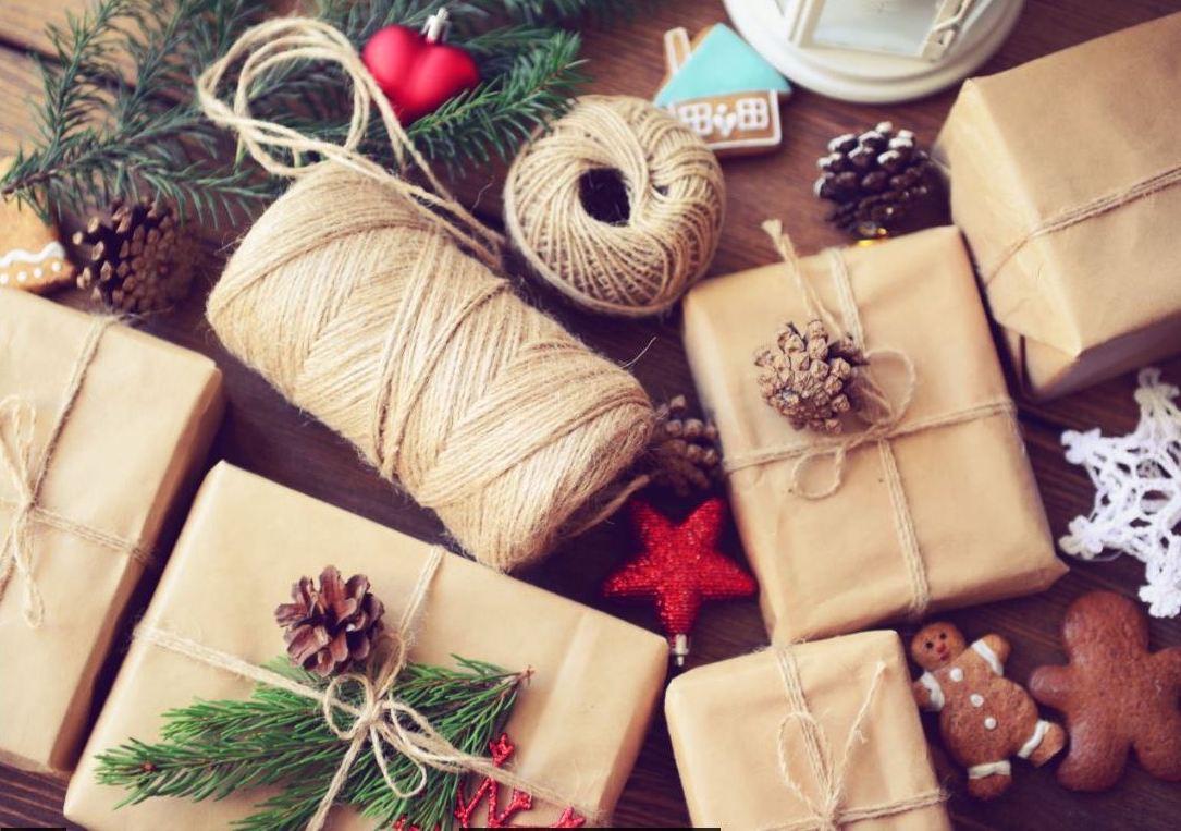 Menyediakan hadiah, membuat kraf dan hiasan, membuat hiasan yang indah untuk tahun baru - tugasnya bukan sahaja menarik, tetapi juga yang menyenangkan