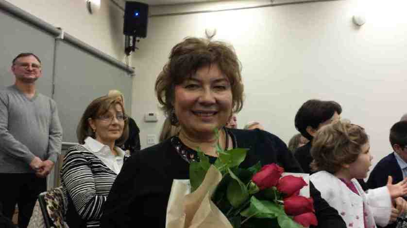 Irina-Ivanova-handing-prizes