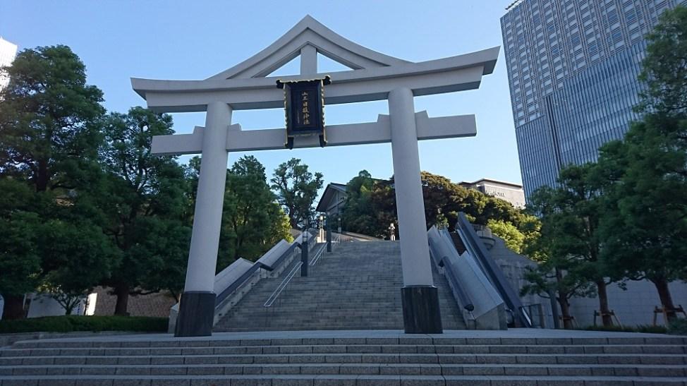 エスカレーター付きの日枝神社の裏参道