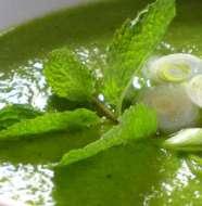 Sopa de Ervilhas com Hortelã