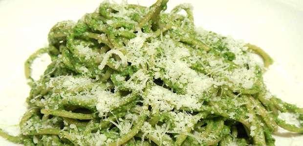 Macarrão Espaguete com Molho de Espinafre