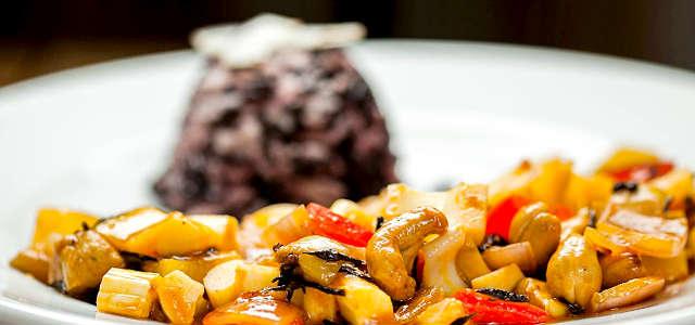 Moqueca Vegetariana com Castanha, Caju e Palmito Pupunha