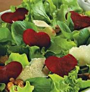 Salada de Folhas Verdes com Nozes e Parmesão