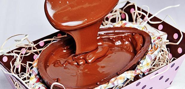 Ovo de Páscoa Gourmet Trufado de Chocolate para Comer de Colher