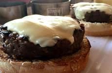 Hambúrguer de Patinho ou Picanha com Mussarela de Búfala