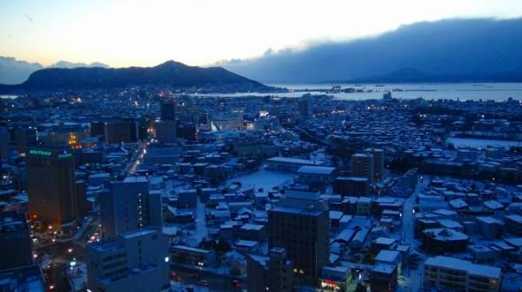 タワー展望台から函館山