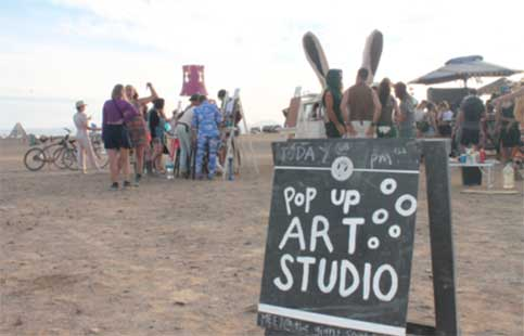 Host an art exhibition or auction?
