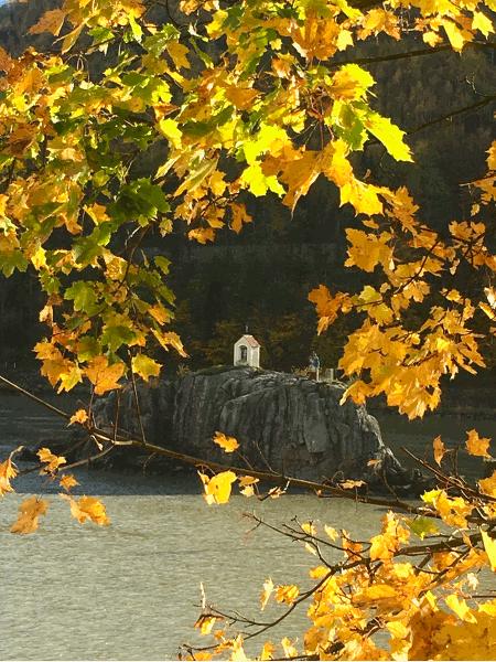 der Donau Radweg bei Jochenstein