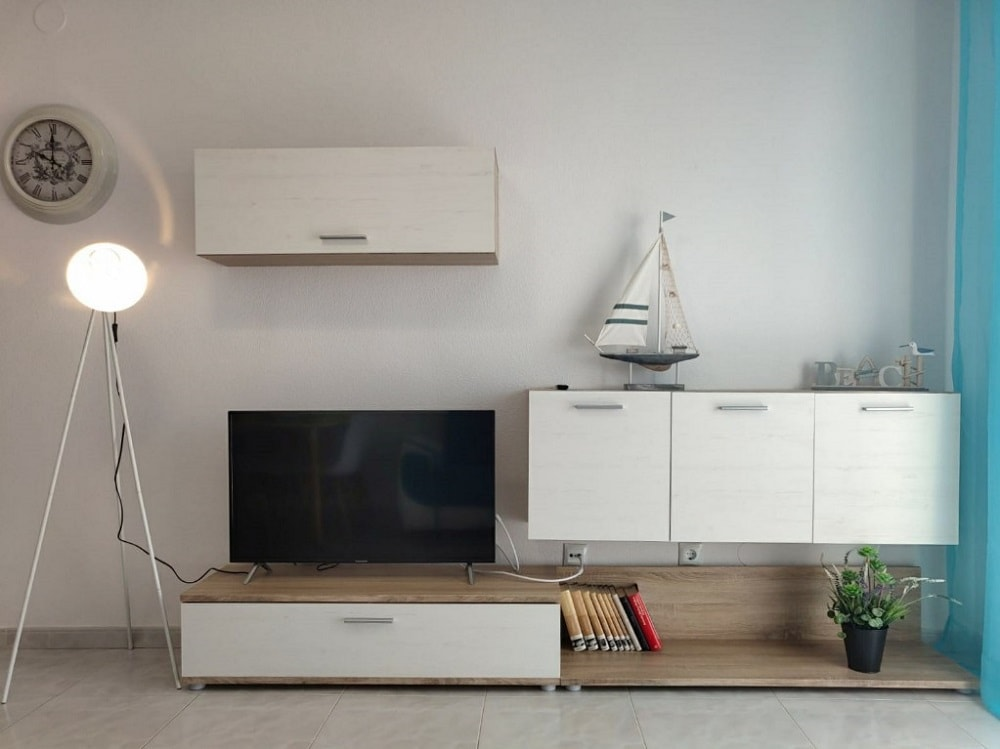 Wall unit assembled in a living room