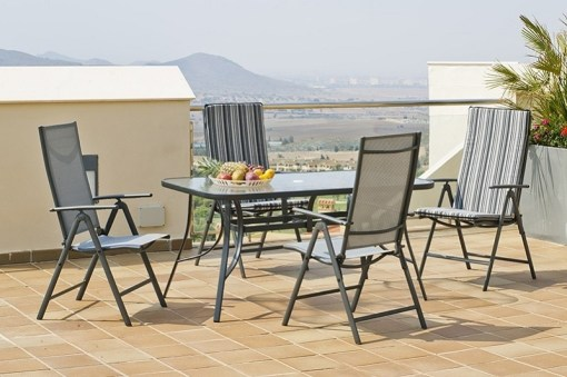 Set de jardín gris con mesa rectangular 150 x 90 cm + 4 tumbonas de acero - Dominica