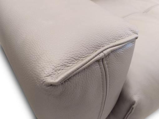 Подлокотник углового дивана обитого натуральной кожей - Denver