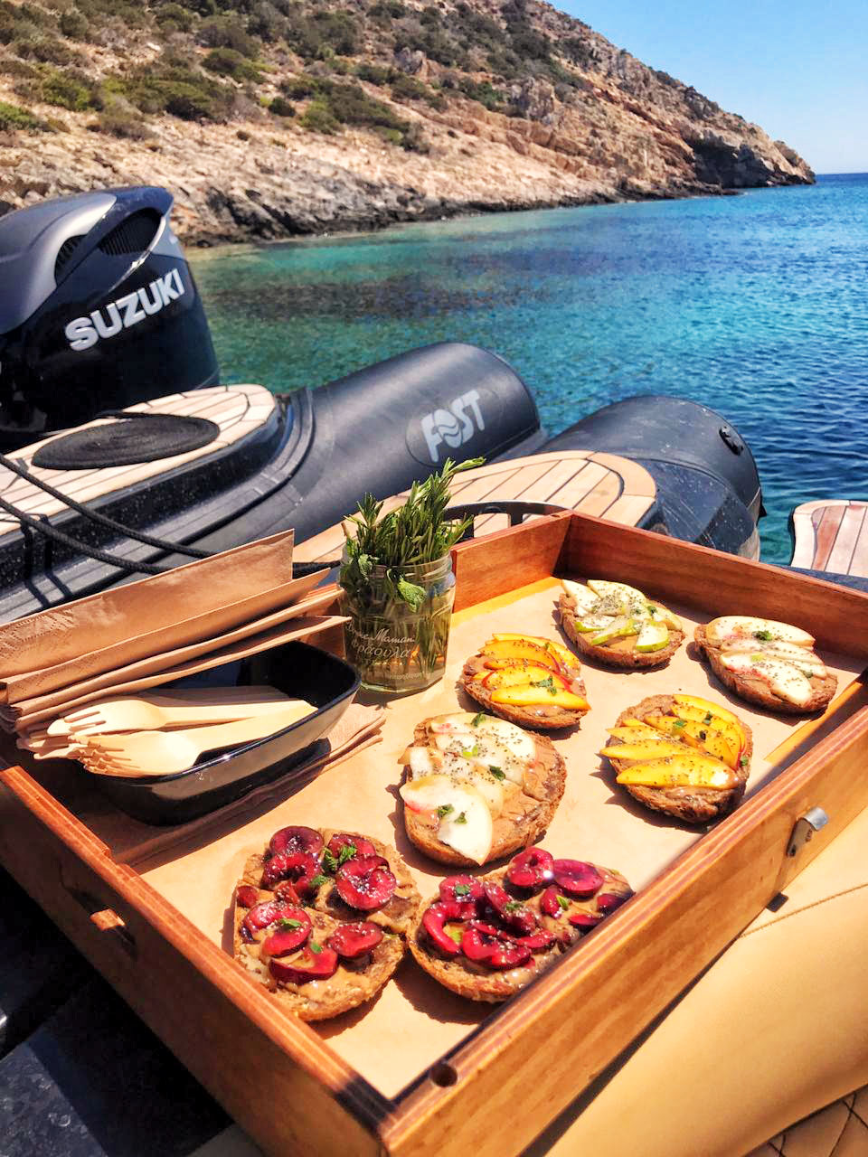Brunch on board from private chef - Don Blue - Mykonos Paros Athens