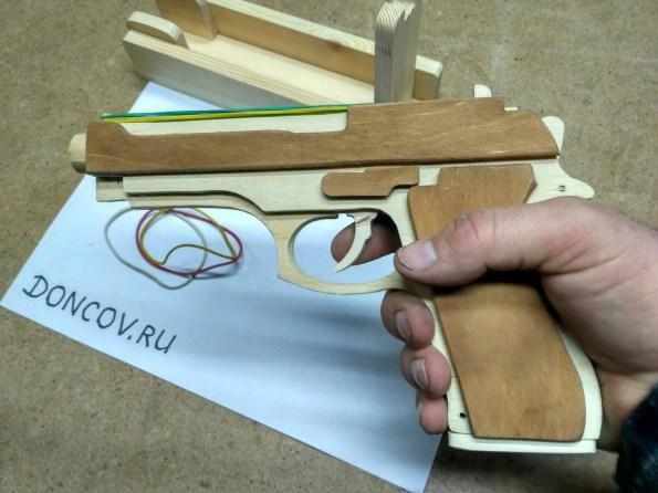 Beretta M9 деревянный пистолет