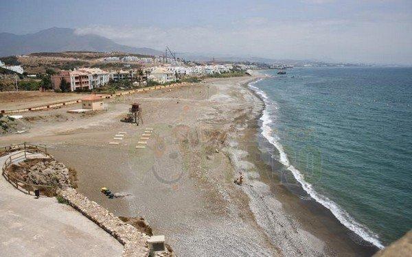 playa de piedra paloma admite perros en Málaga, Andalucía