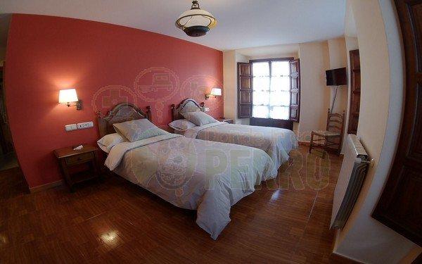 hotel piloñés es un precioso alojamiento en Asturias que admite perros. Situación muy buena para conocer todo.