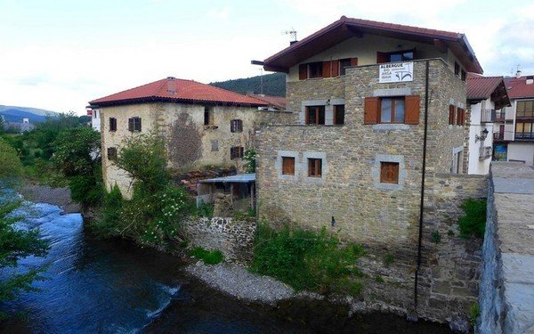 albergue rio arga (1)