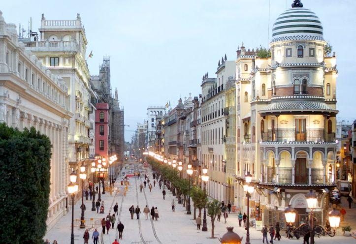 Avenida-de-la-Constitución-de-Sevilla